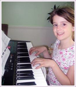 Girl-learning-piano